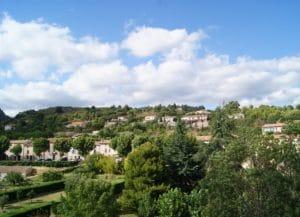 La vue sur le village de Caunes Minervois dans l'Aude, à proximité de Carcassonne