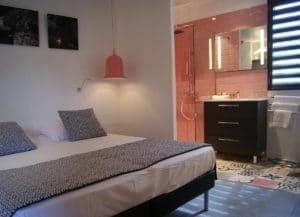 Chambre Moderne dans l'hôtel Le Minervois à côté de Carcassonne