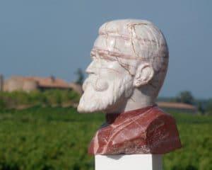 La sculpture de Jean Jaures en marbre à Caunes Minervois