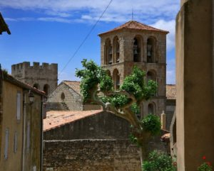 Abbaye de Caunes Minervois , proche Carcassonne